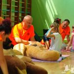 Pluszakowe Pogotowie oraz Fundacja Kumak uczyli pierwszej pomocy dzieci ze Szkoły Podstawowej nr 21 im. Karola Miarki w Rybniku Niedobczycach