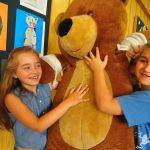 Pluszakowe Pogotowie i Fundacja Kumak uczyły dzieci z ZSP nr 11 w Rybniku jak udzielać pierwszej pomocy