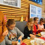 Warsztat św. Mikołaja zorganizowany w Halo!Rybnik w Rybniku przez Fundację Kumak