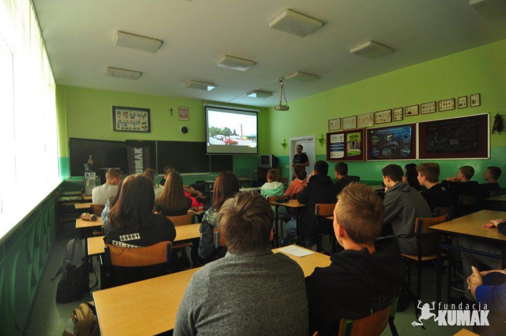 Ósmoklasiści ze Szkoły Podstawowej z Oddziałami Integracyjnymi nr 36 im. Czesława Miłosza w Rybniku wzięli udział w zajęciach pod nazwą Życie bez przypału.