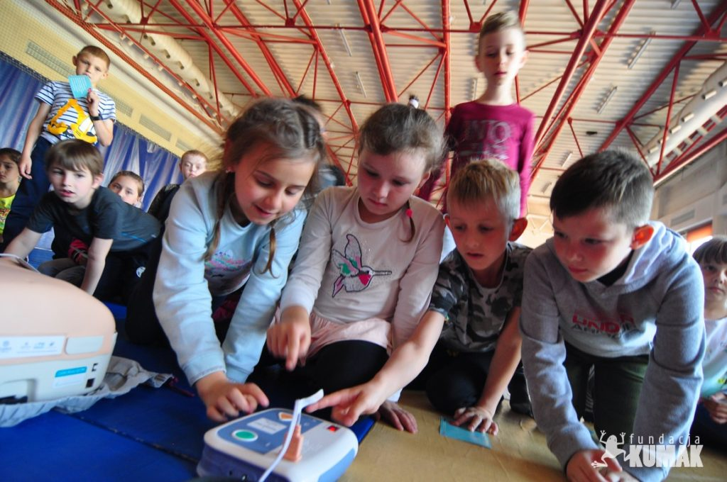 Pluszakowe Pogotowie II i Fundacja KUmak z wizytą w SP nr 36 w Rybniku Boguszowicach